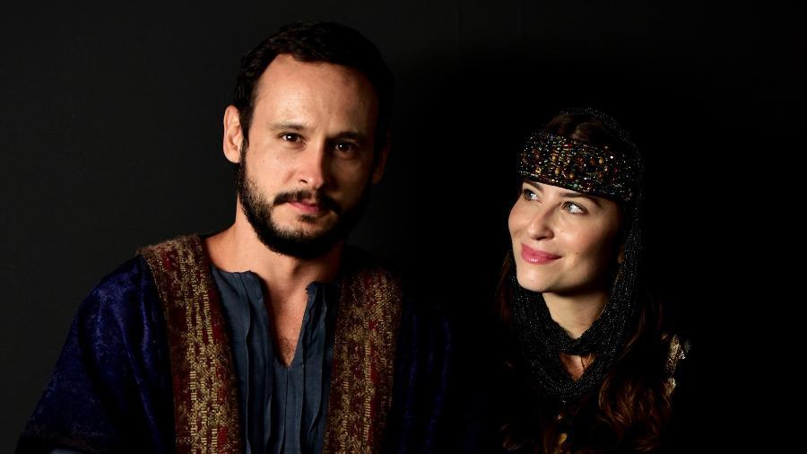 Guilherme Dellorto e Bárbara França como Isaque e Rebeca em Gênesis (Blad Meneghel/ Record TV) - Reprodução / Internet
