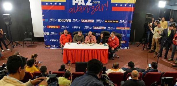Pesquisas de boca de urna indicavam que candidatos de oposição a Maduro ganhariam na maioria dos estados