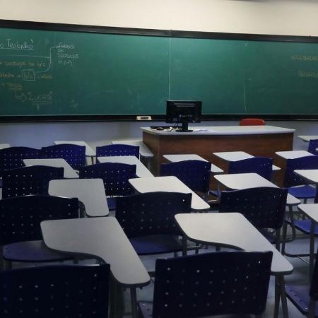 RJ: Seeduc remove videoaula em que professor questiona racismo no Brasil -                                 Agência Brasil