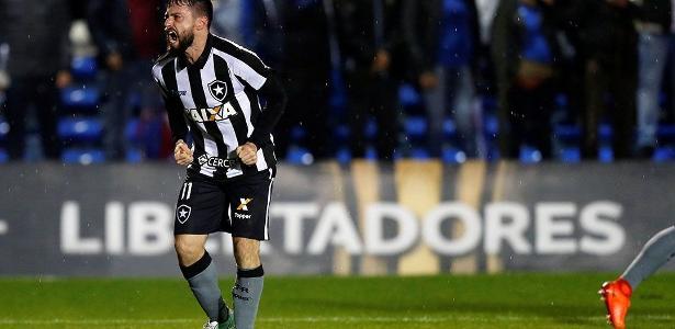 Autor do gol da vitória no jogo de ida, João Paulo quer Botafogo errando pouco na quinta