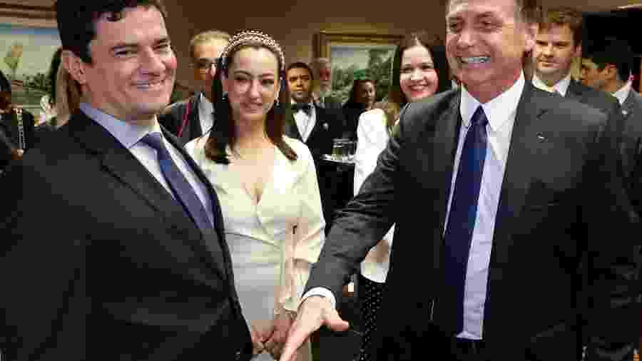 O ministro Sergio Moro, sua mulher, a advogada Rosângela Moro, e o presidente Bolsonaro - Roberto Jayme/TSE