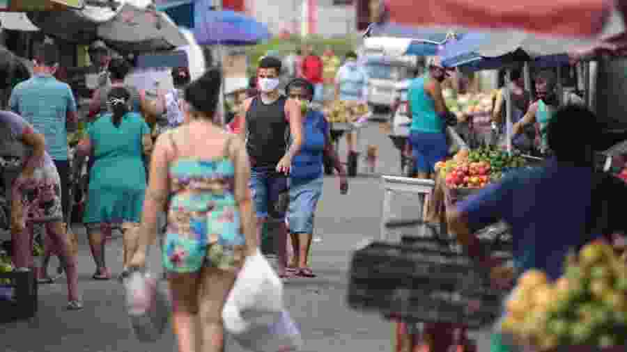 Movimentação de pessoas em Recife (PE) mesmo com lockdown - Jailton Júnior/JC Imagem