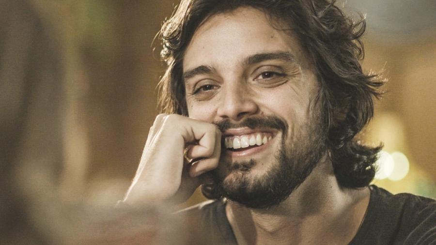 Rodrigo Simas como Alejandro de Salve-se Quem Puder (Globo/Divulgação)  - Reprodução / Internet