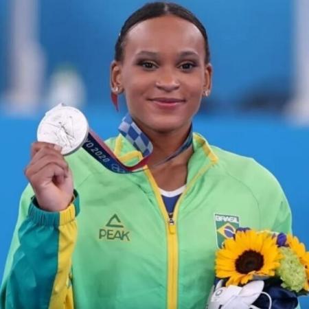 Histórica! Rebeca Andrade é prata na ginástica artística nas Olimpíadas de Tóquio (Reprodução/TV Globo) - TodaTeen