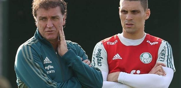 Moisés deve jogar o segundo tempo do duelo contra o Atlético-PR