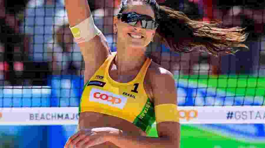 STJD pune atleta Carol Solberg por protesto contra Jair Bolsonaro -