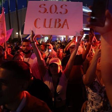 Manifestantes em Cuba - Getty Images