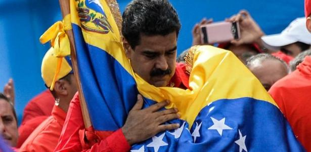A AD (Ação Democrática), que dominou a política venezuelana até a chegada de Hugo Chávez ao poder em 1999, reuniu as assinaturas necessárias para disputar as eleições