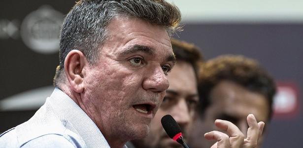 Presidente Andrés Sanchez e Corinthians tentam se defender de cobrança da Prefeitura