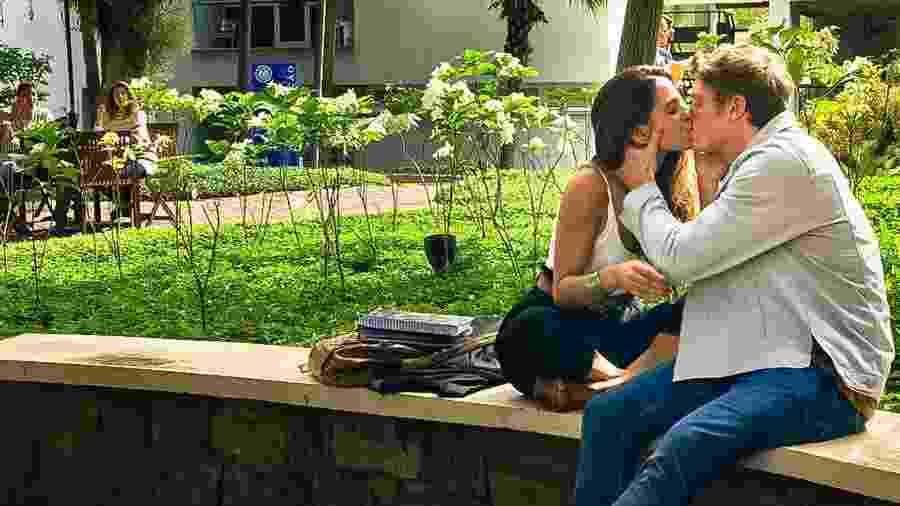 Leila (Jade Cardozo) e Filipe (Pedro Novaes) se beijam em Malhação (Divulgação / Globo) - Leila (Jade Cardozo) e Filipe (Pedro Novaes) se beijam em Malhação (Divulgação / Globo)