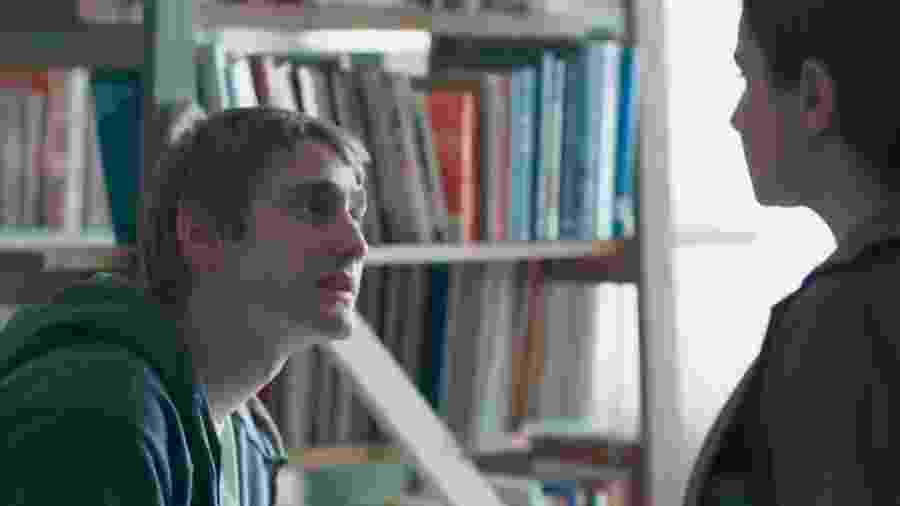 Dogão (Giovanni Gallo) e Josefina (Aline Fanju) de Malhação - Viva a Diferença (Reprodução - TV Globo) - Reprodução / Internet