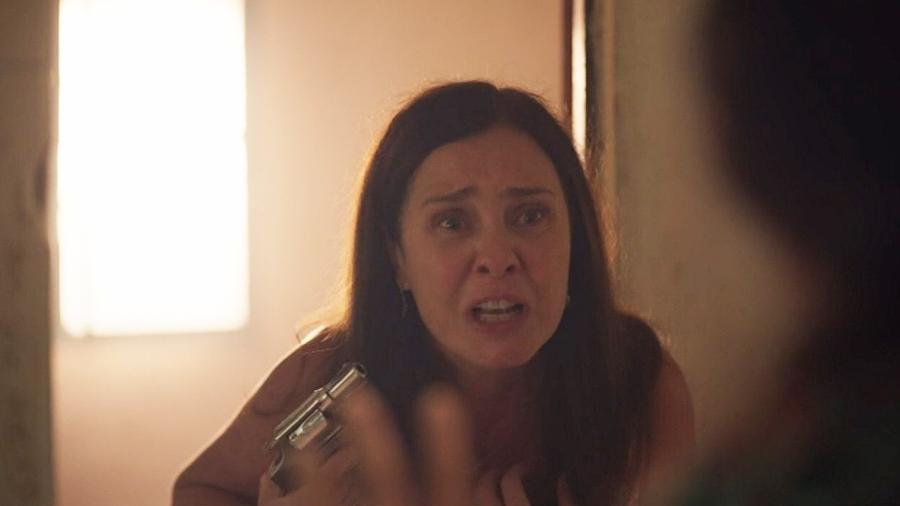 Thelma (Adriana Esteves) em Amor de Mãe (Reprodução / Globo) - Reprodução / Internet