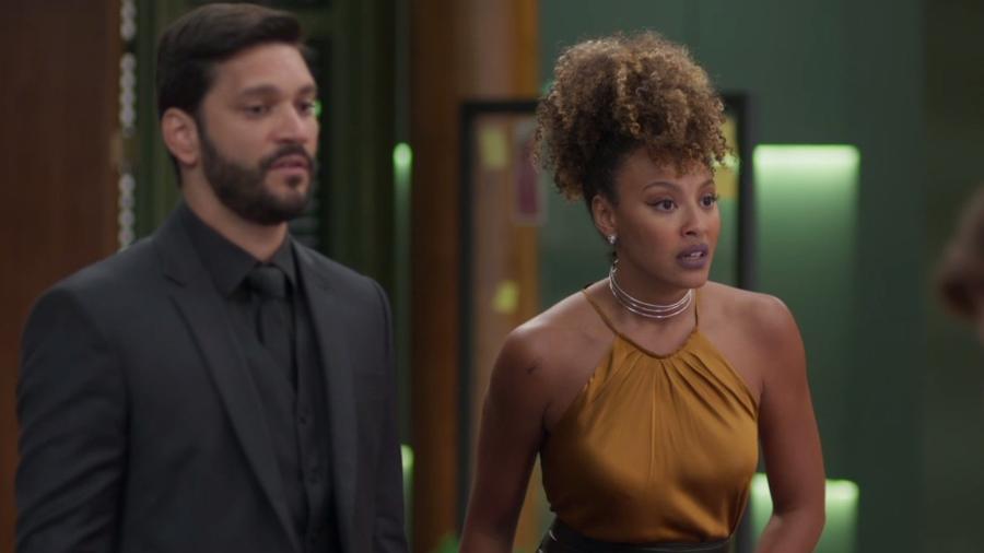 Gisele (Sheron Menezzes) e Diogo (Armando Babaioff) em Bom Sucesso (Reprodução/TV Globo). - Reprodução/TV Globo