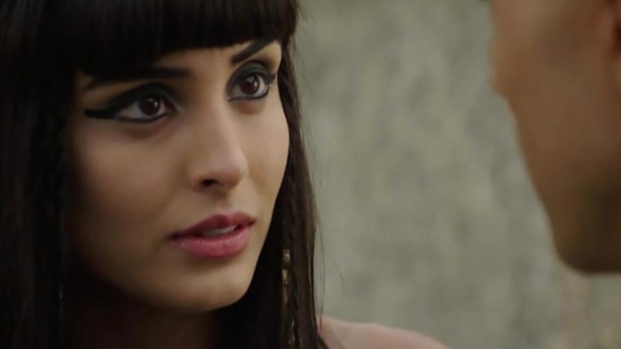 Asenate (Letícia Almeida) em Gênesis (Reprodução/Record TV) - Reprodução / Internet