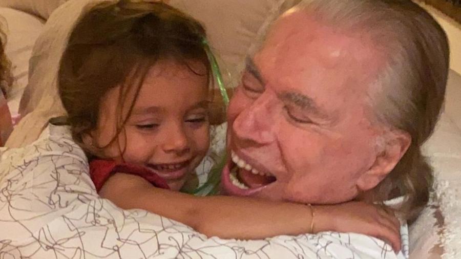 Silvio Santos e a neta Jane, filha de Patrícia Abravanel e Fabio Faria - Reprodução / Internet