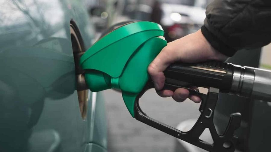 Preço da gasolina subirá 4% nas refinarias amanhã - iStock