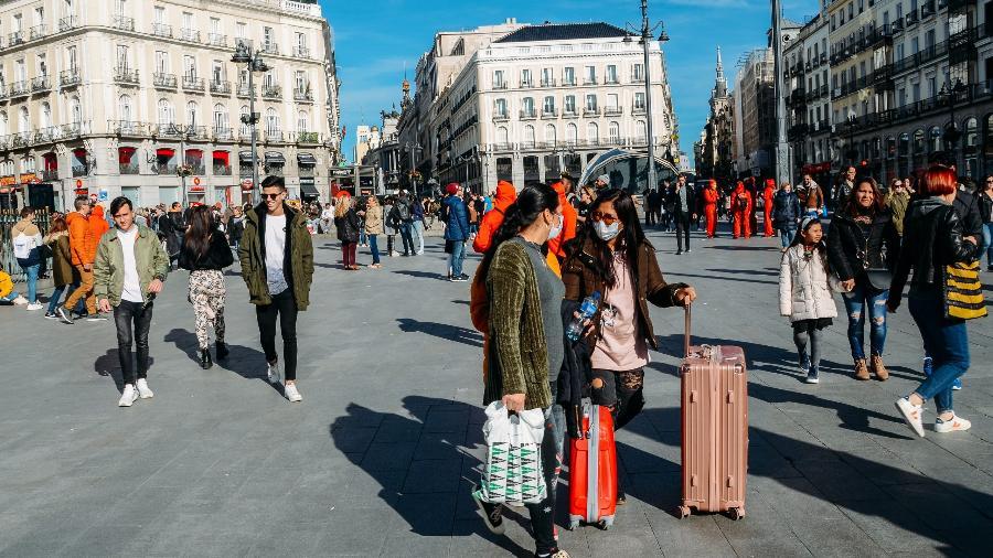 Espanha supera 70.000 mortes por covid-19 - Shutterstock