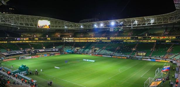 Allianz e seu telão para jogo da Libertadores; estádio dá lucro anual para o Palmeiras