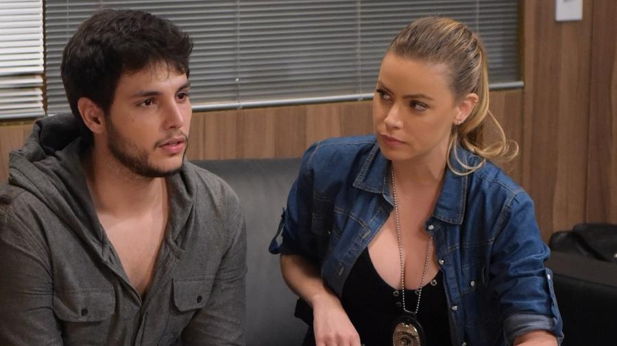 Edison (Bruno Guedes) e Graça (Rayanne Morais) em Topíssima (Reprodução/Record TV). - Edison (Bruno Guedes) e Graça (Rayanne Morais) em Topíssima (Reprodução/Record TV).
