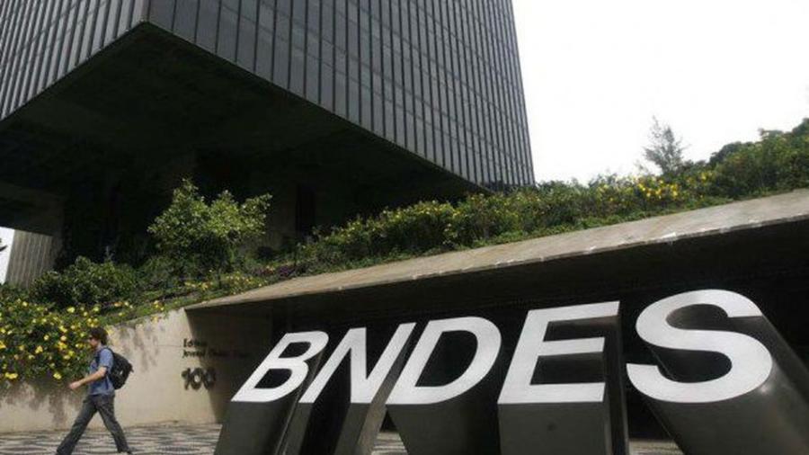 BNDES aprova financiamento de R$ 450 milhões para exportação de aviões -                                 Agência Brasil