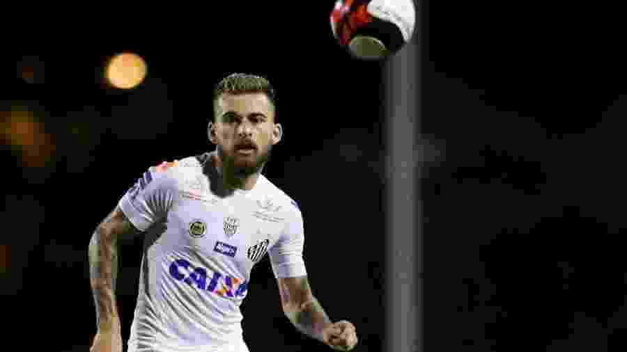 Lucas Lima pretende jogar no futebol europeu após deixar o Santos - Marcello zambrana/Agência Estado