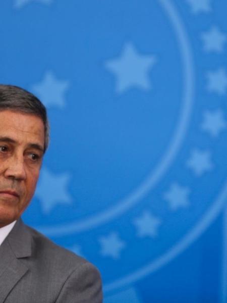 O general Braga Netto: mais lenha na fogueira dele no dia 17 - Agência Brasil