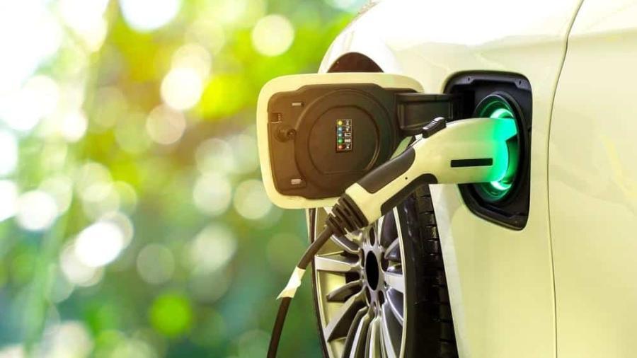 MG anuncia plano de investimento de R$25 bi de fábrica de carros elétricos - Deslan/Shutterstock