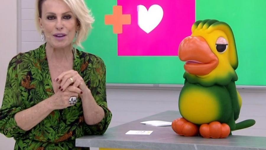 Ana Maria Braga com o Louro José, seu grande companheiro  - TV GLOBO/DIVULGAÇÃO