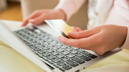 O comércio eletrônico cresceu rapidamente na Rússia nos últimos anos, impulsionado pelo melhor acesso à internet