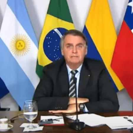 Jair Bolsonaro: risco é de o candidato atropelar o presidente e o presidente atropelar o Brasil  - Reprodução/TV Cultura
