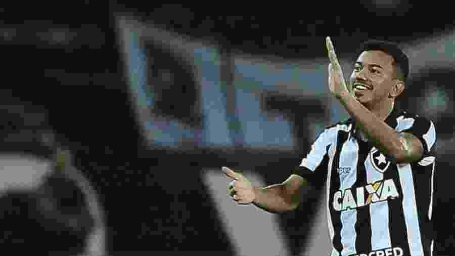Rodrigo Lindoso pode voltar ao Botafogo contra o Avaí - Armando Paiva/AGIF/Estadão Conteúdo