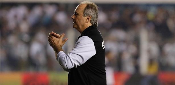 Levir soma 17 jogos invictos e só perde para Luxemburgo neste século no Santos