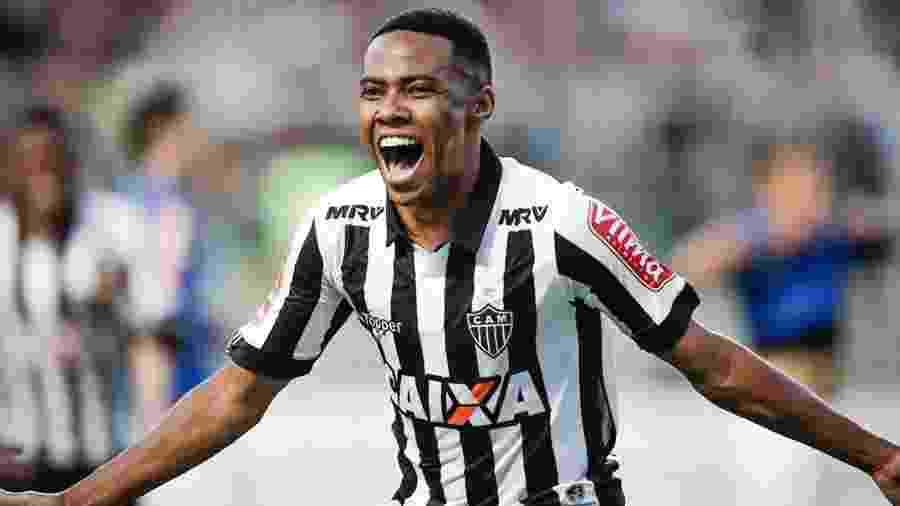 Volante jogou contra o Corinthians no turno e agora volta a Itaquera pela primeira vez - Igor Ribeiro/Framephoto/Estadão Conteúdo