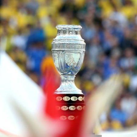 Copa América realizada com a pandemia em alta é apoiada por associações - GettyImages