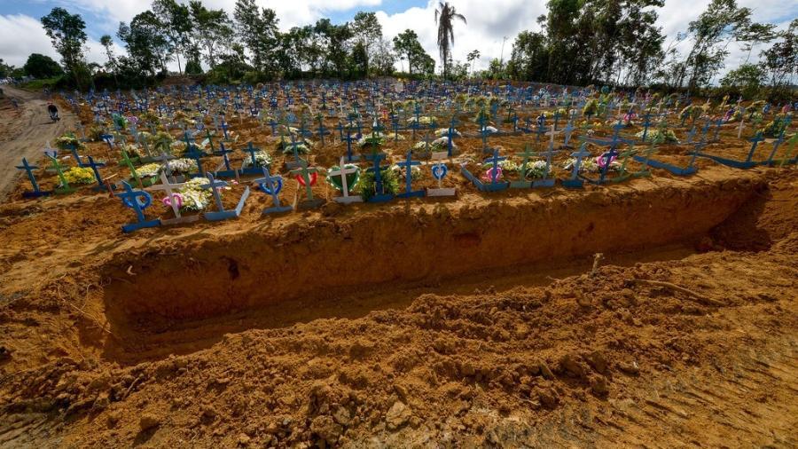 Cemitério Público Nossa Senhora Aparecida, em Manaus (AM)  -  Alex Pazuello/Semcom
