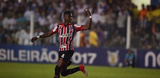 Arboleda tem somente três partidas com a camisa do Tricolor