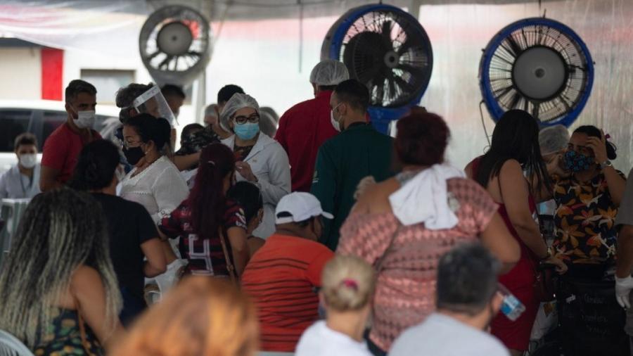 Movimento intenso no Hospital Público Vinte Oito de Agosto, em Manaus, no dia 4 de janeiro                              -                                 MICHAEL DANTAS / AFP