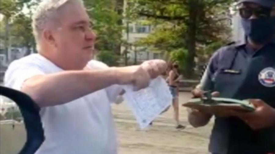 Desembargador rasgou multa que recebeu por não estar utilizando máscara em local público                              -                                 Reprodução