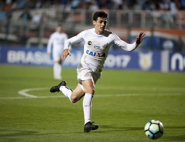 Meia Léo Cittadini tem contrato com o Santos até o fim desta temporada