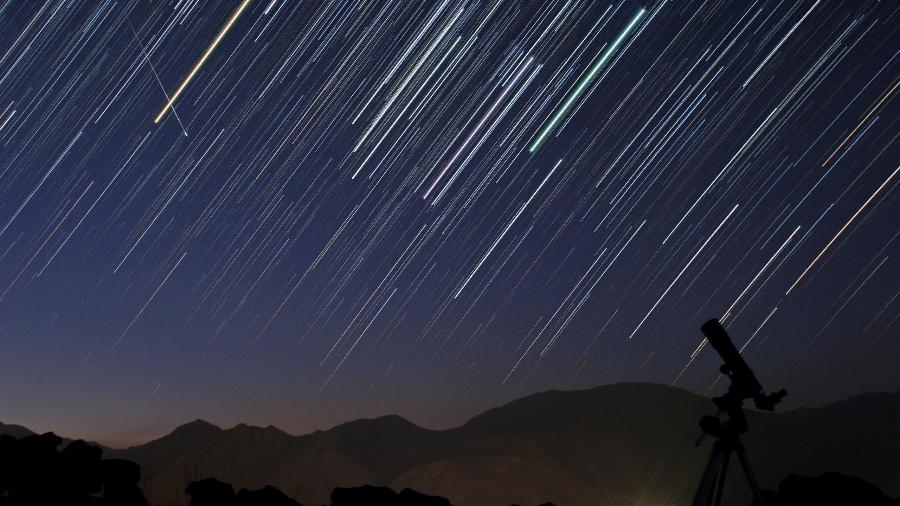 Chuva de meteoros Eta Aquarídeos, produzida pelo rastro do cometa Halley - Time Magazine