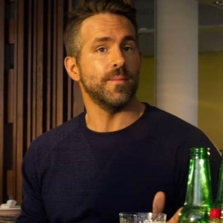 Ryan Reynolds no trailer de Esquadrão 6, filme da Netflix - YouTube
