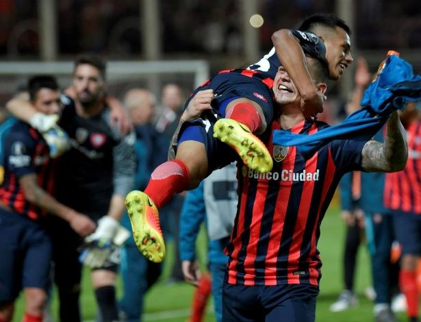 Jogadores do San Lorenzo comemoram vaga: férias podem mudar Libertadores