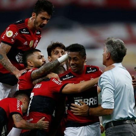 Bruno Henrique brilha com três gols, Flamengo vira e goleia São Paulo no Brasileirão - GettyImages