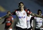 Flamengo avança na Copa do Brasil - Paolo Guerrero comemora gol pelo Flamengo