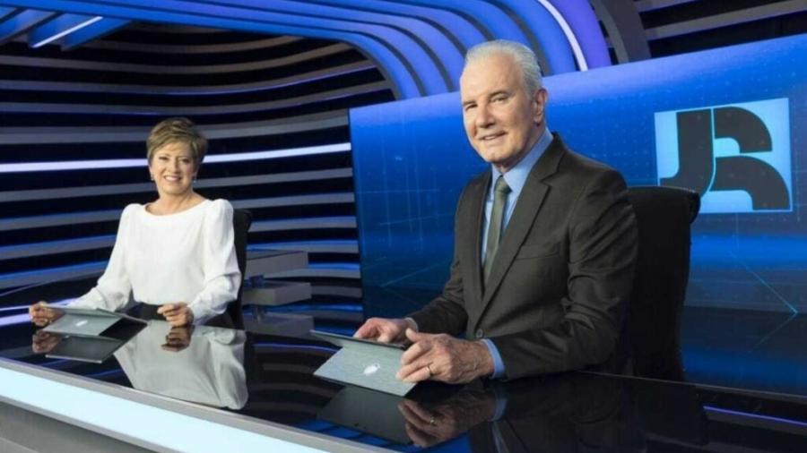 Cristina Lemos e Celso Freitas no Jornal da Record (Antonio Chahestian/Record TV) - Reprodução / Internet