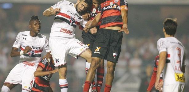 Pratto é o vice-artilheiro do São Paulo no ano, com 11 gols
