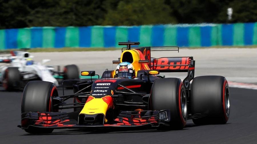 Ricciardo foi o melhor no primeiro treino na Hungria nesta sexta-feira - Laszlo Balogh/Reuters