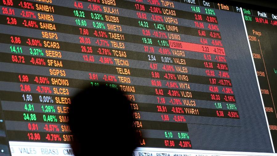 O Ibovespa caiu 0,32%, a 104.745,32 pontos - Paulo Whitaker/Reuters
