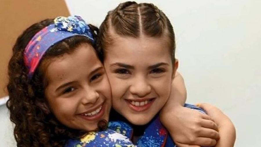 Gabriella Saraivah e Lívia Inhudes como Tati e Vivi em Chiquititas (Divulgação / SBT) - Reprodução / Internet