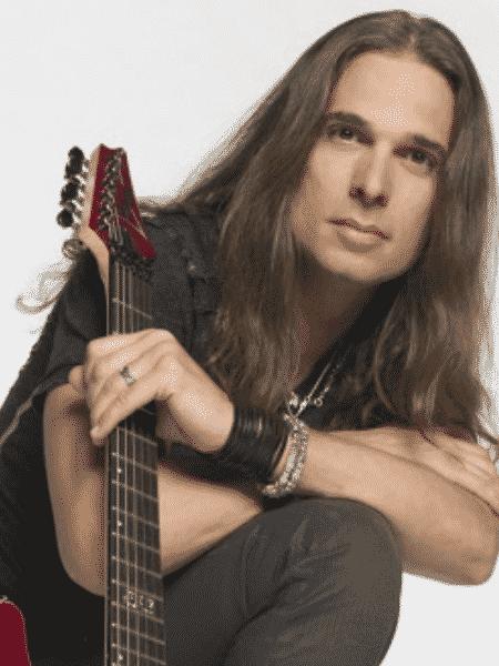 Kiko Loureiro - O guitarrista Kiko Loureiro (FOTO: Reprodução) - O guitarrista Kiko Loureiro (FOTO: Reprodução)